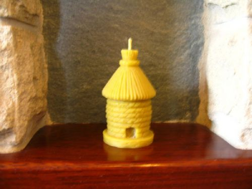 Handmade Pure Beeswax Thatched Skep Candle  9.2cm high (Free Shipping UK)